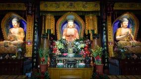 Τρία αγάλματα του Βούδα σε έναν ναό, Πεκίνο, Κίνα στοκ εικόνα με δικαίωμα ελεύθερης χρήσης