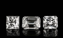 Τρία διαμάντια στο μαύρο υπόβαθρο Στοκ φωτογραφία με δικαίωμα ελεύθερης χρήσης
