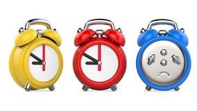 Τρία ζωηρόχρωμα, κόκκινα, μπλε, κίτρινα ξυπνητήρια τρισδιάστατη απεικόνιση, στο άσπρο υπόβαθρο Στοκ Εικόνα