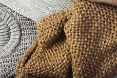 Τρία θερμά πουλόβερ σε ένα πλήρες υπόβαθρο Μπορεί να είναι χρήση Στοκ εικόνες με δικαίωμα ελεύθερης χρήσης