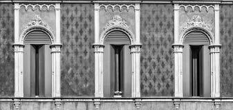 Τρία παράθυρα στο ενετικό γοτθικό ύφος Στοκ Εικόνα