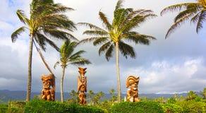 Τρία της Χαβάης γλυπτά Θεών Tiki Στοκ Φωτογραφίες