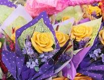 Τρία τριαντάφυλλα του μελισσοκηρού Στοκ Εικόνα