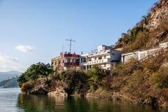 Τρία φαράγγια του παλαιού σταθμού σημάτων ναών Guan φαραγγιών Qutangxia ποταμών Yangtze στοκ φωτογραφίες με δικαίωμα ελεύθερης χρήσης