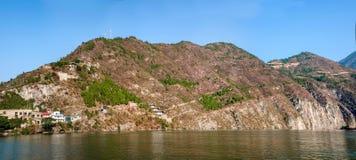 Τρία φαράγγια του φαραγγιού Qutangxia ποταμών Yangtze Στοκ φωτογραφία με δικαίωμα ελεύθερης χρήσης