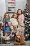 Τρία χαριτωμένα κορίτσια στοκ εικόνα με δικαίωμα ελεύθερης χρήσης