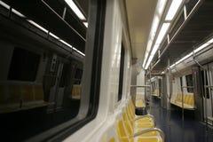 Τραίνο βαγονιών εμπορευμάτων υπογείων ευρέως στοκ εικόνες με δικαίωμα ελεύθερης χρήσης