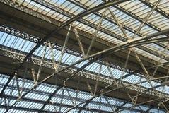 τραίνο δομών σταθμών στοκ φωτογραφία με δικαίωμα ελεύθερης χρήσης