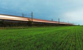 Τραίνο - μεγάλη ράγα. Στοκ Φωτογραφία