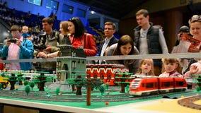 Τραίνο, παιχνίδια, φεστιβάλ Robotica 2015, Κίεβο ρομπότ, απόθεμα βίντεο