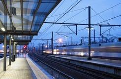 Τραίνο που έρχεται στο σταθμό Στοκ εικόνες με δικαίωμα ελεύθερης χρήσης