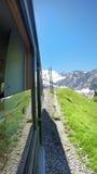 Τραίνο που πηγαίνει Montenvers Mer de Glace Station, Mont Blanc Στοκ φωτογραφία με δικαίωμα ελεύθερης χρήσης