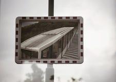 Τραίνο σε ένα σημάδι Στοκ φωτογραφίες με δικαίωμα ελεύθερης χρήσης