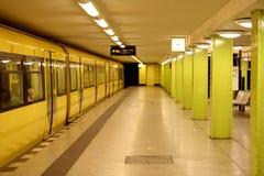 τραίνο σταθμών του Βερολί Στοκ Εικόνες