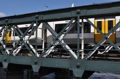 Τραίνο στο Λονδίνο Στοκ εικόνα με δικαίωμα ελεύθερης χρήσης