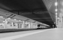 Τραίνο στο σιδηροδρομικό σταθμό της Κρακοβίας Στοκ Εικόνα