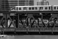 Τραίνο στο στο κέντρο της πόλης Σικάγο Σικάγο, τραίνο, οδός, υπαίθρια, ΗΠΑ, στοκ εικόνα