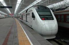 τραίνο υψηλής ταχύτητας τη&s Στοκ φωτογραφία με δικαίωμα ελεύθερης χρήσης