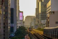 Τραίνο BTS στη σιδηροδρομική γραμμή στοκ φωτογραφία με δικαίωμα ελεύθερης χρήσης