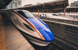 Τραίνο Shinkansen στο σταθμό Στοκ Εικόνες