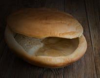 Τραγανό κενό πιάτο ψωμιού Στοκ φωτογραφίες με δικαίωμα ελεύθερης χρήσης