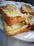 Τραγανό ψωμί με το ελαιόλαδο Στοκ Εικόνες