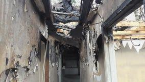 Τραγικός πρόσφατος - πυρκαγιά σπιτιών νύχτας Στοκ εικόνα με δικαίωμα ελεύθερης χρήσης