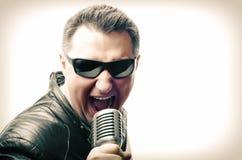 Τραγουδιστής βράχου Στοκ Φωτογραφία