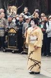 Τραγούδι γκείσων Senso-senso-ji στο ναό, Τόκιο Στοκ φωτογραφία με δικαίωμα ελεύθερης χρήσης