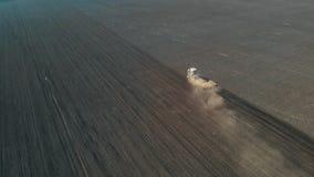 Τρακτέρ που καλλιεργεί το έδαφος Εναέριο μήκος σε πόδηα φιλμ μικρού μήκους