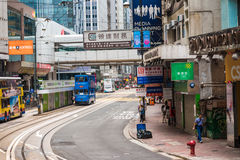 Τραμ διόροφων λεωφορείων στην οδό του Χονγκ Κονγκ Στοκ φωτογραφίες με δικαίωμα ελεύθερης χρήσης
