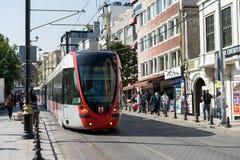 Τραμ μέσα κεντρικός στη Ιστανμπούλ Στοκ Φωτογραφίες