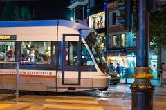Τραμ μέσα κεντρικός στη Ιστανμπούλ Στοκ εικόνες με δικαίωμα ελεύθερης χρήσης