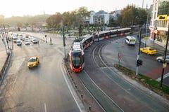 Τραμ μέσα κεντρικός στη Ιστανμπούλ Στοκ Φωτογραφία