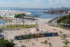 Τραμ που περνά την πλατεία Maua στο Ρίο Στοκ Φωτογραφία