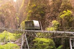 Τραμ στον τρόπο να οξύνει του βουνού Huangshan, Anhui, Κίνα Στοκ Εικόνα