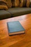 τραπεζάκι σαλονιού βιβλί Στοκ φωτογραφία με δικαίωμα ελεύθερης χρήσης