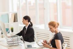 Τραπεζίτες στην εργασία στοκ εικόνα με δικαίωμα ελεύθερης χρήσης