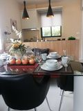 Τραπεζαρία στο μικρό σπίτι Στοκ εικόνες με δικαίωμα ελεύθερης χρήσης