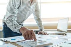 Τραπεζική έννοια λογιστικής επιχειρησιακής χρηματοδότησης, να κάνει επιχειρηματιών στοκ εικόνα