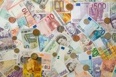 Τραπεζογραμμάτια και νομίσματα Στοκ εικόνα με δικαίωμα ελεύθερης χρήσης