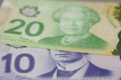 Τραπεζογραμμάτια δολαρίων Καναδού 10 και 20 Στοκ φωτογραφία με δικαίωμα ελεύθερης χρήσης