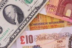 Τραπεζογραμμάτια στα διαφορετικά νομίσματα Στοκ εικόνες με δικαίωμα ελεύθερης χρήσης