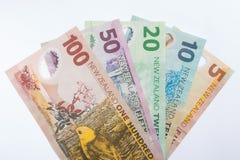 Τραπεζογραμμάτια της Νέας Ζηλανδίας που τίθενται στο άσπρο υπόβαθρο 2 Στοκ φωτογραφία με δικαίωμα ελεύθερης χρήσης