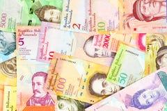 Τραπεζογραμμάτια bolívar της Βενεζουέλας, διαφορετικοί λογαριασμοί Τα όμορφα ζωηρόχρωμα εμπρόσθια δευτερεύοντα bolivares κλείνουν στοκ φωτογραφία