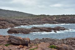 Τραχιά δύσκολη ακτή στην Αυστραλία Στοκ εικόνα με δικαίωμα ελεύθερης χρήσης