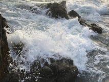 Τραχιά παράκτια νερά στοκ εικόνες