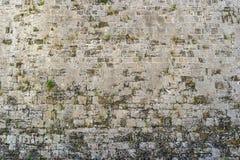Τραχιά σύσταση ενός παλαιού τοίχου πετρών Στοκ φωτογραφία με δικαίωμα ελεύθερης χρήσης
