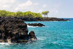 Τραχιά της Χαβάης ακτή στοκ εικόνα