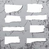 Τραχιές αυτοκόλλητες ετικέττες στον τοίχο grunge Στοκ φωτογραφία με δικαίωμα ελεύθερης χρήσης